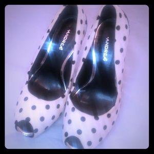 Andrea White And Black Polk Dot Peep Toe Heels 7.5